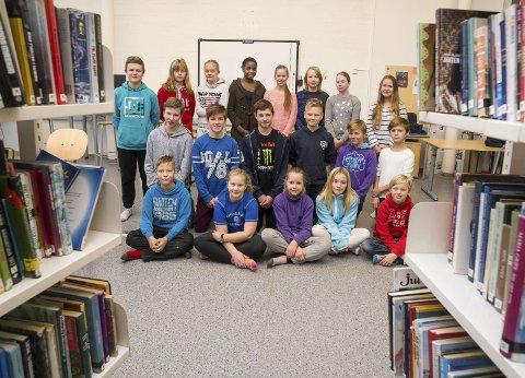 Disse elevene i klasse 7B på Hallingby skole har skrevet kapittel 11.