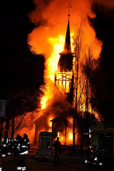 Hønefoss kirke brant ned 26. januar 2010.
