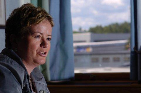 Hole-bosatte Wenche Ravlo slutter som gruvesjef på Svalbard. Bildet er tatt på hennes siste dag som fabrikksjef på Follum.