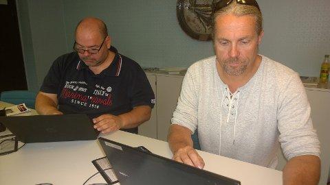 Axel Sjøberg og Bård Brørby er i gang med å svare på nettmøte. Det er også Fred Harald Nilssen, som svarer fra Danmark.