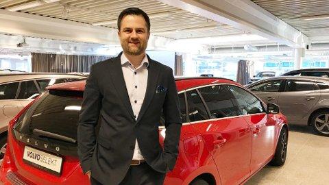 LETTSOLGT: – Vi opplever at brukte dieselbiler er svært lettsolgte og skulle gjerne hatt enda flere, sier salgssjef Leif Inge Bjerkenes.