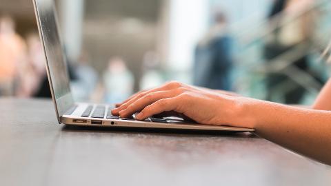 Har bloggere et ansvar for hva de legger ut i sin egen blogg?