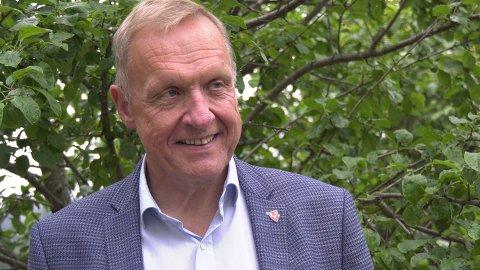 Ordfører Lars Magnussen får ikke skrytt nok av kommunen sin.