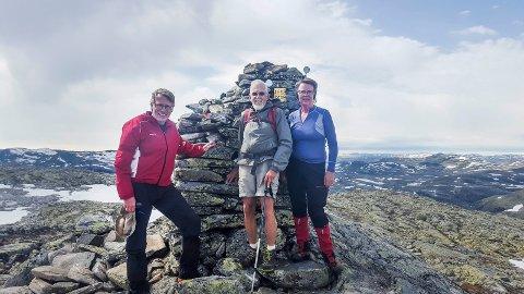 1.658: Tre på toppen av Vassdalseggi, som er Rogalands høyeste topp på 1.658 meter over havet.
