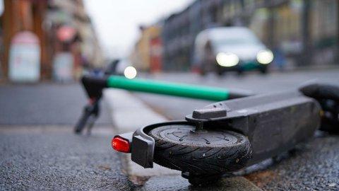DØDSULYKKE: I november fikk vi den andre dødsulykken med elektrisk sparkesykkel her til lands. Vinter med glatte veier kan gi betydelige utfordringer fremover. Foto: Ingvild Gjerdsjø / TV 2
