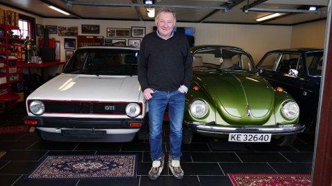 Knut Arne Svang eier og driver Golsfjell Fjellstue. På tomten har han tre garasjer, alle fylt med lidenskap på fire hjul. Bilder: Mats Brustad / Broom