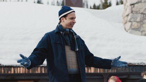 KOMMENDE STJERNE: Herbert Nordrum i den ikoniske rollen som hotellbestyrer Poppe.