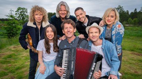 HVER GANG VI MØTES: Syv artister samles på en gård for å synge hverandres sanger. I kommende sesong ble Hole vurdert som innspillingssted.