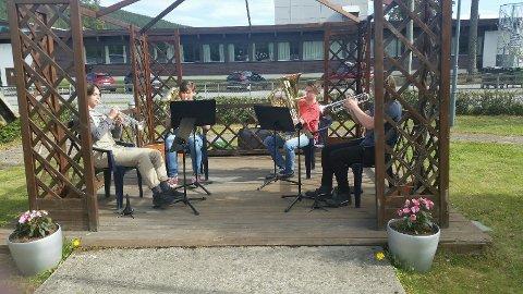 Messingkvartetten spiller på Hallingby omsorgssenter