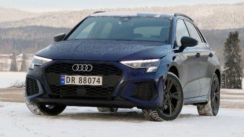TILBAKE I NY DRAKT: Dette er nye Audi A3 40 TFSIe – bilen som erstatter den tidligere storselgeren som het A3 e-tron. Alle foto: Mats Brustad / Broom