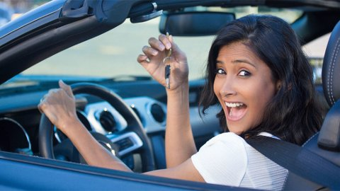 SOM EN ÅPEN BOK: Bilselgere er gjerne flinke til å lese kroppsspråk. Dermed er det fort gjort å avsløre seg. Noe som kan bli dyrt om du virkelig får tenning på en bil.
