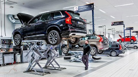 Å følge bilens serviceprogram er alltid smart. Også om du har leaset bil. I motsatt fall kan det bli kostbart. Illustrasjonbilde fra Volvo Cars.