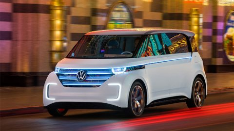 KJØRE PÅ AUTOPILOT? Det blir 75 kroner timen, takk ... Dette kan bli framtiden for VW-eiere om kun kort tid.