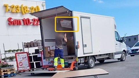 """Dette synet møtte Patrik Starborg da han spiste McDonald""""s like ved i Grimstad. Fotomontasje: Privat/Nettavisen"""