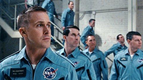 RYAN GOSLING: Neil Armstrong i First man spilles av Ryan Gosling, som har hovedrollen akkurat som han hadde i kanonsuksssen La-La-Land som Damien Chazelle også regisserte.