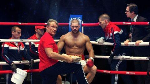 DOLPGH LUNDGREN TILBAKE: I etterfølgeren til Rocky spinoffen får heavyweight boxing mester Adonis Creed en sjanse til å hevne sin far Apollo, som døde under en kamp mot Ivan Drago.