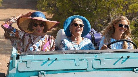 SANG OG MORO: Her blir det kort mellom ABBA-låtene. Her synges det i fest, i bilen og på stranda.