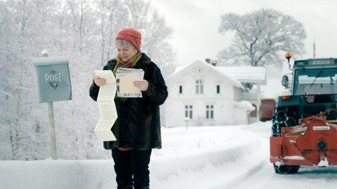 RJUKANAKTUELL: Anne Marit Jacobsen er sammen med Otto Jespersen aktuell i Gledelig Jul. Jacobsen er jo også snart klar for teaterforestilling på Rjukan 26. november, der det fortsatt er noen få billetter igjen.