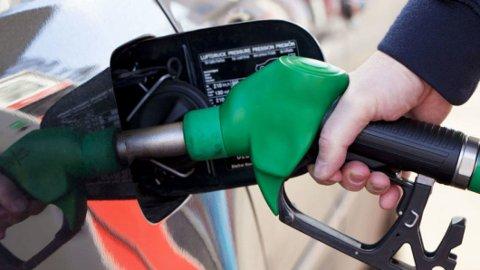 Det er fortsatt svært mange biler med bensinmotor rundt omkring i verden. Nå kan det være en løsning på vei, som kan bidra til at også disse blir klimanøytrale.