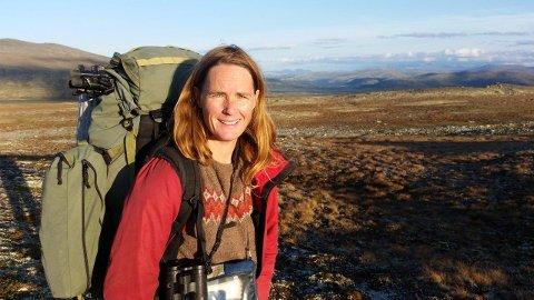 12 VALPEKULL: Seniorforsker Nina Elisabeth Eide fra NINA sier at dette er den største mengden fjellrev født på Hardangervidda på flere tiår.