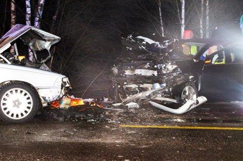ALVORLIG SKADD: Ulykken skjedde på E16 ved Oppakermoen.