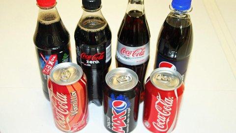 ULIKE BRUSVARIANTER: Coca Cola og Pepsi Max er noen av de brusmerkere som tilbyr brus både med og uten sukker. Foto: Nettavisen