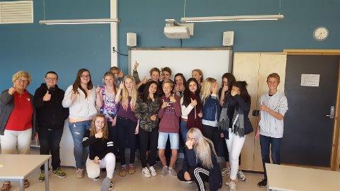 Elevene i valgfaget innsats for andre, her sammen med besøk fra Nasjonalforeningen for folkehelsen, Wenche Størseth