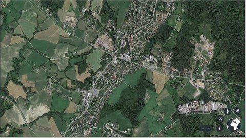 VOKSER MEST: Nannestad – her med Maura sentralt i bildet – er den norske kommunen som vokser mest i 2017. Foto: Google Earth