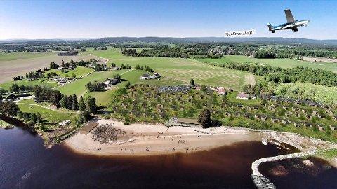ELVENÆRT PROSJEKT: Kommunen foreslår at minst halvparten av båtplassene blir tilgjengelige for allmennheten. (Illustrasjon: Rak Arkitektur AS)