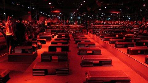 RED ROOM: En treningstime varer i 60 minutter - halvparten på tredemølla og halvparten med styrkeøvelser på gulvet. Foto: Harald Fjelddalen Mediehuset Nettavisen