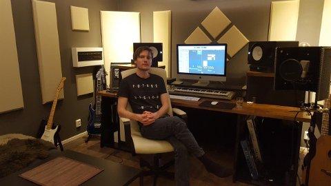 TRAFF BLINK: Med inntekt på nesten fem millioner kroner i 2017, har Sindre Timberlid Jenssen både kjøpt seg bolig og blitt medeier i et musikkstudio.