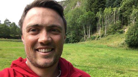 SAMLER: Bonde Jørn Toppe har på eget initiativ laget et nettsted som viser omfanget av krisen i landbruket som følge av tørken i Sør-Norge.