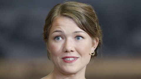 ØKNING: Talsperson Une Bastholm i MDG vil øke drivstoffprisene med fem kroner literen.  Foto: Terje Bendiksby (NTB scanpix)