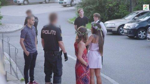 KOM MED ADVARSEL: Politiet på Jessheim dukket opp, og Jørgine tok en alvorprat med politikonstablene.
