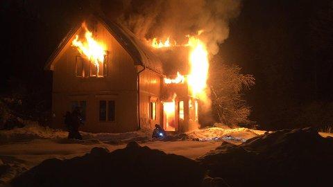 KONTROLLERT: Brannvesenet holder mandag en øvelse ved Sørum fritidsgård i Skedsmo kommune.