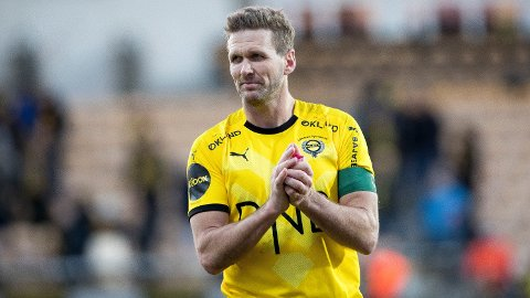 GRØNT FOKUS: Det er en grunn til at Frode Kippe spiller med denne fargen på kapteinsbindet. Foto: Terje Pedersen (NTB scanpix)