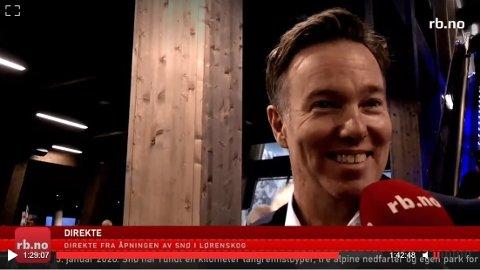FORNØYD: Olav H. Selvaag var svært tilfreds da Romerikes Blad intervjuet ham under åpningen av skihallen Snø i Lørenskog onsdag denne uka. Nå er han og broren hedret av bransjen for innsatsen.