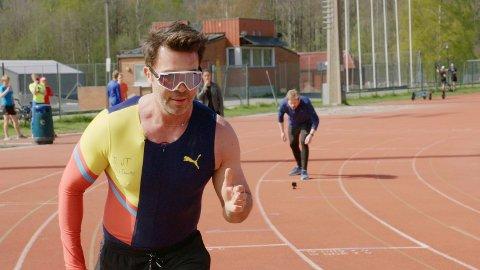 AVBRØT KAMPEN: Det var en reklame for TVNorge-programmet «Jan Thomas og Einar blir venner» som avbrøt sendinga fra Åråsen.