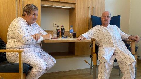Stein Magne Ranum og samboeren Mona Torp leide boligen i Nystulia 35 i Gjerdrum. Etter to dramatiske døgn håper de å komme i midlertidig bolig så raskt som mulig.  Foto: Farid Ighoubah / Nettavisen