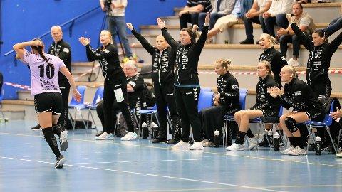 TØFF DAG: Kampen i Molde Arena ble som forventet tøff for Romerike Ravens, og til slutt sto det 38-26 på tavla.