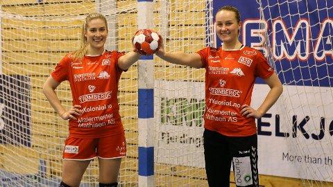 GOD SESONG: Både Frida Haug Hoel (t.v) og Carina Berg har imponert i Rælingen-drakta denne sesongen. Nå har de begge signert ny kontrakt med klubben.