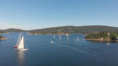 VERNEVERDIG: Fjorden utenfor Sætre vernes i stor stil med høyt aktivitetsnivå på Trebåtfestivalen.
