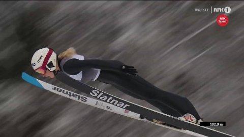 FØRST: Frida Berger var første hopper ut under Norgesmesterskapet i stor bakke på Lillehammer i dag.