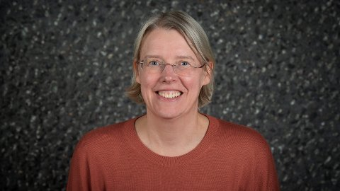 SVARER: Janne Grøttumsbråten (SV) svarer leder av utvalg for velferd i Asker, Cecilie Lindgren (H) i dette innlegget.Foto: Asker kommune