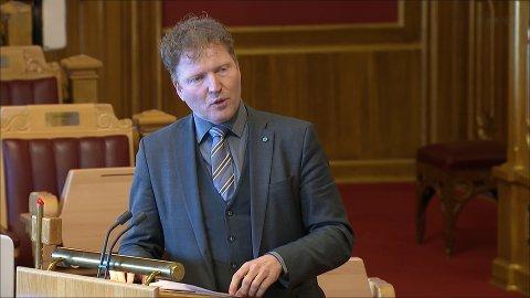 VILLE HA SVAR: Sigbjørn Gjelsvik (Sp) mener Høyre ikke forholder seg til realitetene, og peker på hvordan politireformen har fått innvirkninger for innbyggere i Hurum og Røyken.