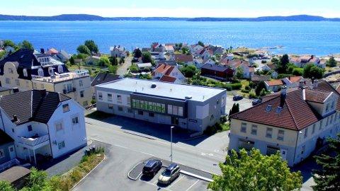 UVIDETE ÅPNINGSTIDER: Lokalsamfunnsutvalget på Tofte  ønsker at biblioteket følger åpningstidene til Heggedal og Slemmestad. Innbyggertorget ligger i det samme bygget som biblioteket.