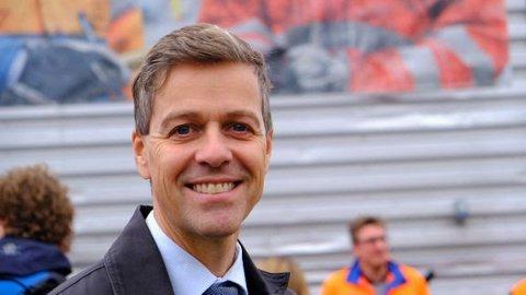 LOVER: Samferdselsminister Knut Arild Hareide (Krf) lover nå at kostnadene i Viker-alternativet skal inkluderes i det videre arbeidet med Dagslett-E18.