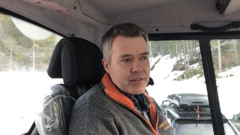 KJØRER SKILØYPER: Ole Kristian Skjørdal står på både tidlig og sent for at skiløypene på Vestskauen skal ha god kvalitet.