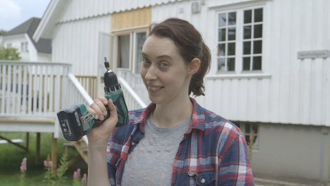 MYE JOBB: Marie Lee Qualmann fra Sandefjord pusset opp huset selv. I programmet Visning skal det selges.