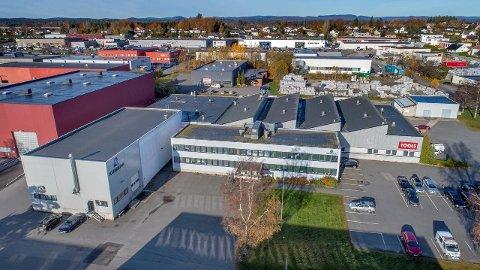 SKAL SELGES: Gneisveien 11 på Pindsle, hvor Tools og Kumera har leiekontrakter fram til 2019 og 2020.